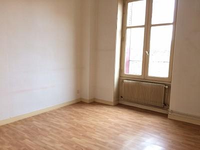 APPARTEMENT T2 A LOUER - LORETTE - 45 m2 - 405 € charges comprises par mois