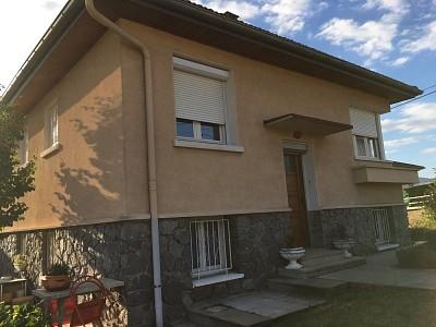 MAISON A LOUER - ST JOSEPH - 126 m2 - 800 € charges comprises par mois