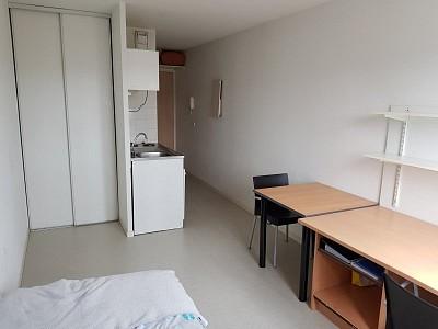 STUDIO A LOUER - ST ETIENNE BELLEVUE-JOMAYERE-SOLAURE - 19 m2 - 262 € charges comprises par mois