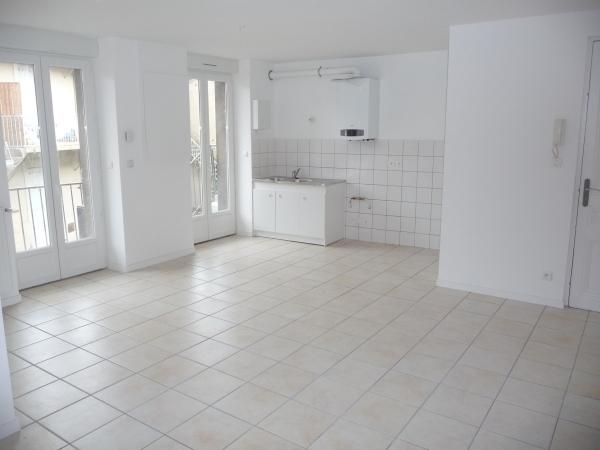 Appartement t4 a louer le chambon feugerolles 81 m2 for Louer par agence