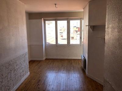 STUDIO A VENDRE - ST ETIENNE HYPER CENTRE - 39 m2 - 40000 €