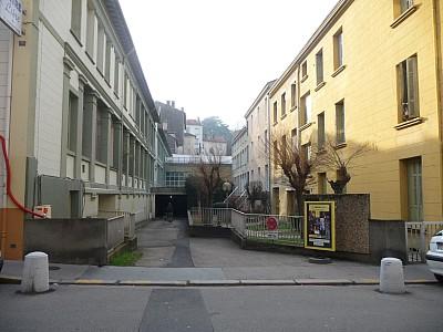 PARKING A LOUER - ST ETIENNE BIZILLON - 50 € charges comprises par mois