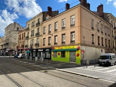 APPARTEMENT T2 A VENDRE - ST ETIENNE CENTRE - 55 m2 - 35000 €