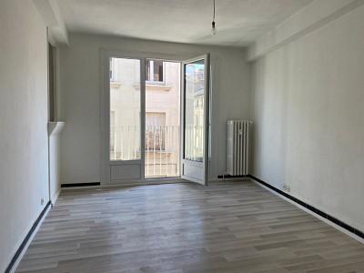 APPARTEMENT T2 A VENDRE - ST ETIENNE CENTRE - 43 m2 - 45000 €