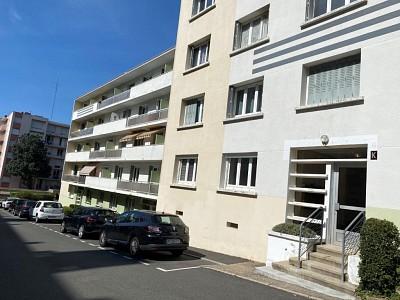 APPARTEMENT T3 A VENDRE - ST ETIENNE EST - 55 m2 - 50000 €