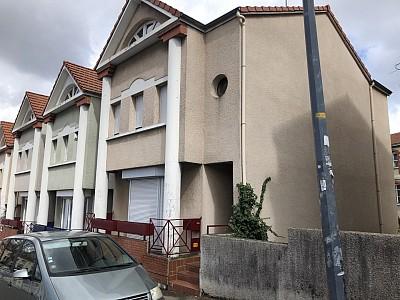MAISON A LOUER - ST ETIENNE VILLEBOEUF-RICHELANDIERE - 150 m2 - 1020 € charges comprises par mois