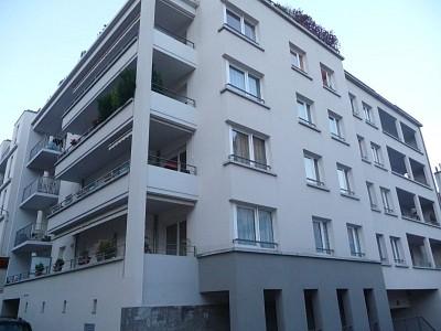 APPARTEMENT T3 A LOUER - ST ETIENNE TERRASSE-BERGSON - 79 m2 - 796 € charges comprises par mois