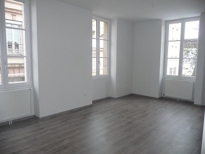 APPARTEMENT T2 A LOUER - ST ETIENNE BIZILLON - 55 m2 - 440 € charges comprises par mois
