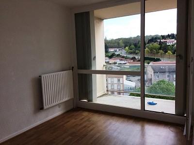 APPARTEMENT T2 A LOUER - ST ETIENNE BEL AIR-MONTAUD-COTE CHAUDE - 50 m2 - 435 € charges comprises par mois