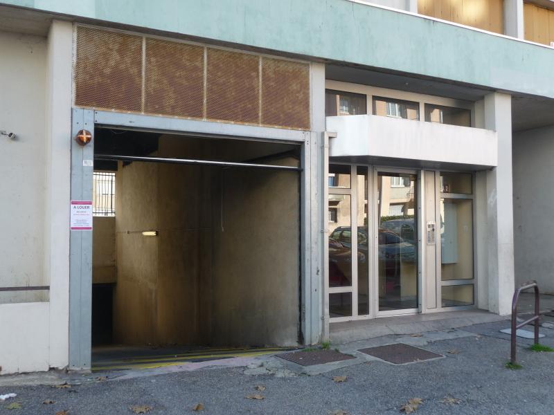 Garage a louer saint etienne bellevue jomayere solaure for Garage saint etienne