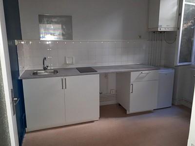STUDIO A LOUER - ST ETIENNE HYPER CENTRE - 34 m2 - 254 € charges comprises par mois