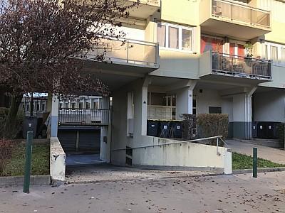 GARAGE A LOUER - ST ETIENNE BELLEVUE-JOMAYERE-SOLAURE - 43 € charges comprises par mois
