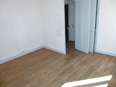 STUDIO A LOUER - ST ETIENNE HYPER CENTRE - 30 m2 - 260 € charges comprises par mois