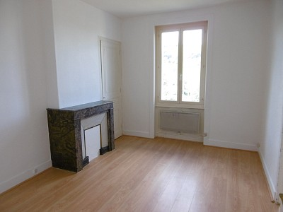 APPARTEMENT T2 A LOUER - LA FOUILLOUSE - 34 m2 - 290 € charges comprises par mois