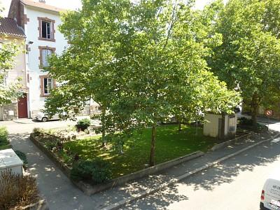 APPARTEMENT T3 A LOUER - FIRMINY - 50 m2 - 380 € charges comprises par mois