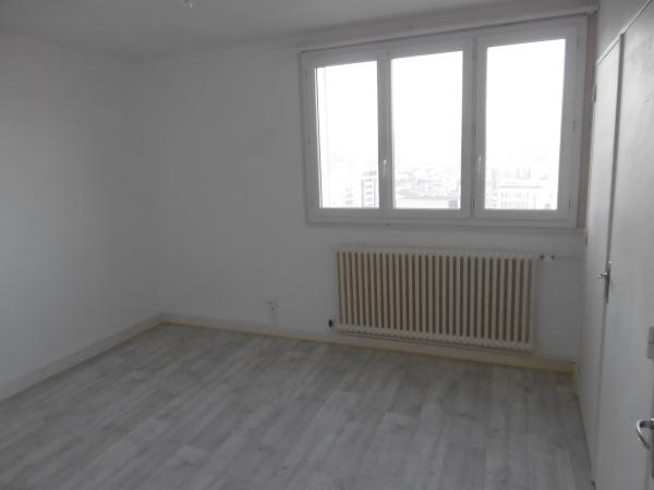 studio saint etienne tardy colline des peres 35 m2 lou immobilier st etienne agence. Black Bedroom Furniture Sets. Home Design Ideas