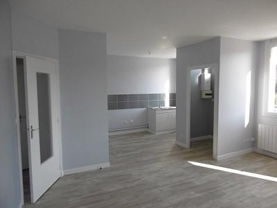 APPARTEMENT T3 A LOUER - LE CHAMBON FEUGEROLLES - 56 m2 - 379,93 € charges comprises par mois