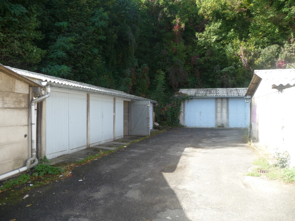Garage saint etienne bel air montaud cote chaude lou for Location garage tours nord