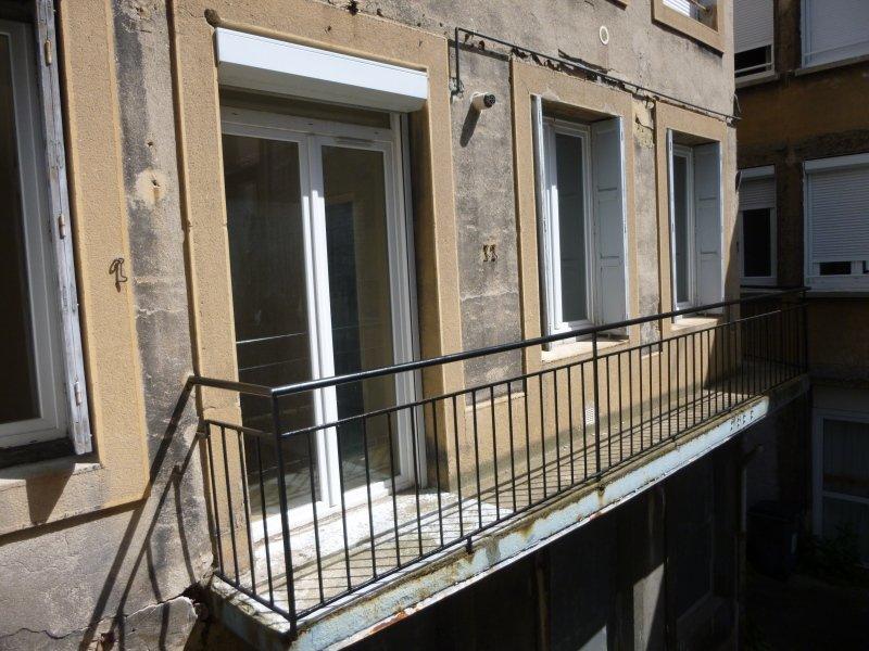 studio a louer saint etienne badouillere chavanelle 50 m2 310 charges comprises par mois. Black Bedroom Furniture Sets. Home Design Ideas