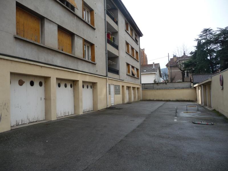 GARAGE - ST CHAMOND - LOUÉ