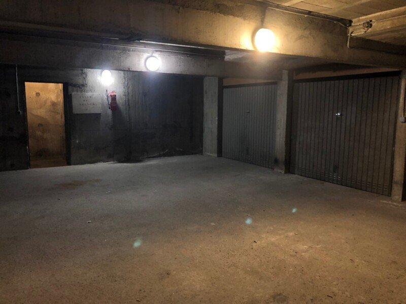 GARAGE A LOUER - ST ETIENNE PREFECTURE-JACQUARD - 51,67 € charges comprises par mois
