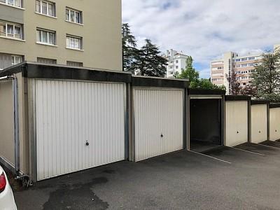 GARAGE A LOUER - ST ETIENNE VIVARAIZE-FAURIEL-BEAULIEU - 49,34 € charges comprises par mois