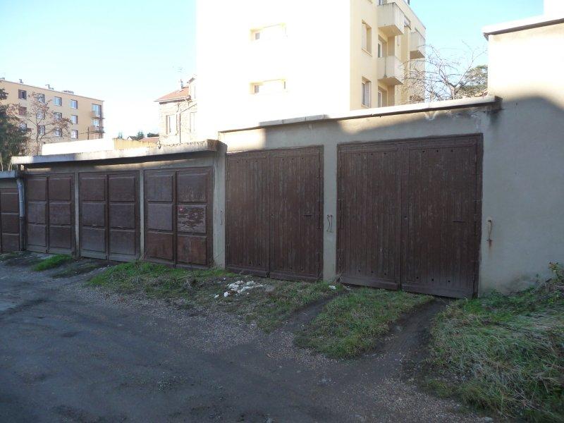 GARAGE A LOUER - ST ETIENNE VILLEBOEUF-RICHELANDIERE - 54,67 € charges comprises par mois