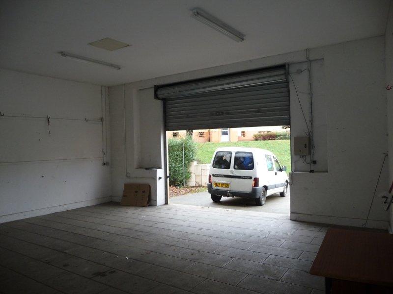 GARAGE A LOUER - UNIEUX - 246,41 € charges comprises par mois