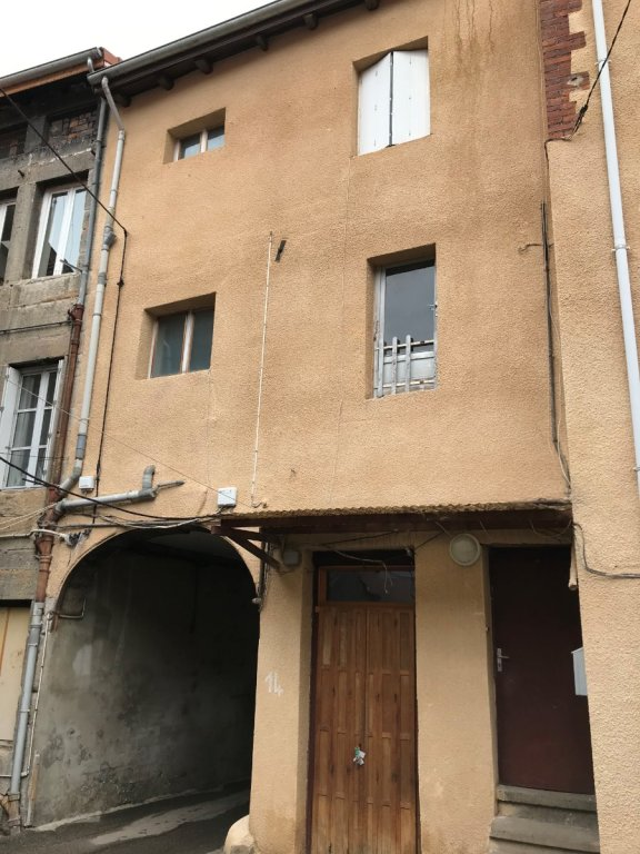IMMEUBLE A VENDRE - FIRMINY - 130 m2 - 60 000 €