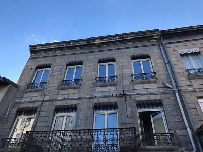 IMMEUBLE A VENDRE - RIVE DE GIER - 265 m2 - 119000 €