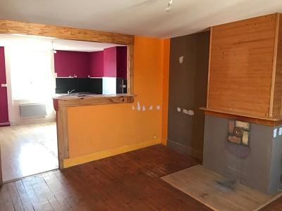 IMMEUBLE A VENDRE - ST GENEST MALIFAUX CENTRE - 350 m2 - 215000 €