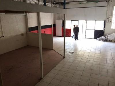LOCAL COMMERCIAL A LOUER - ST JOSEPH - 80 m2 - 500 € HC par mois