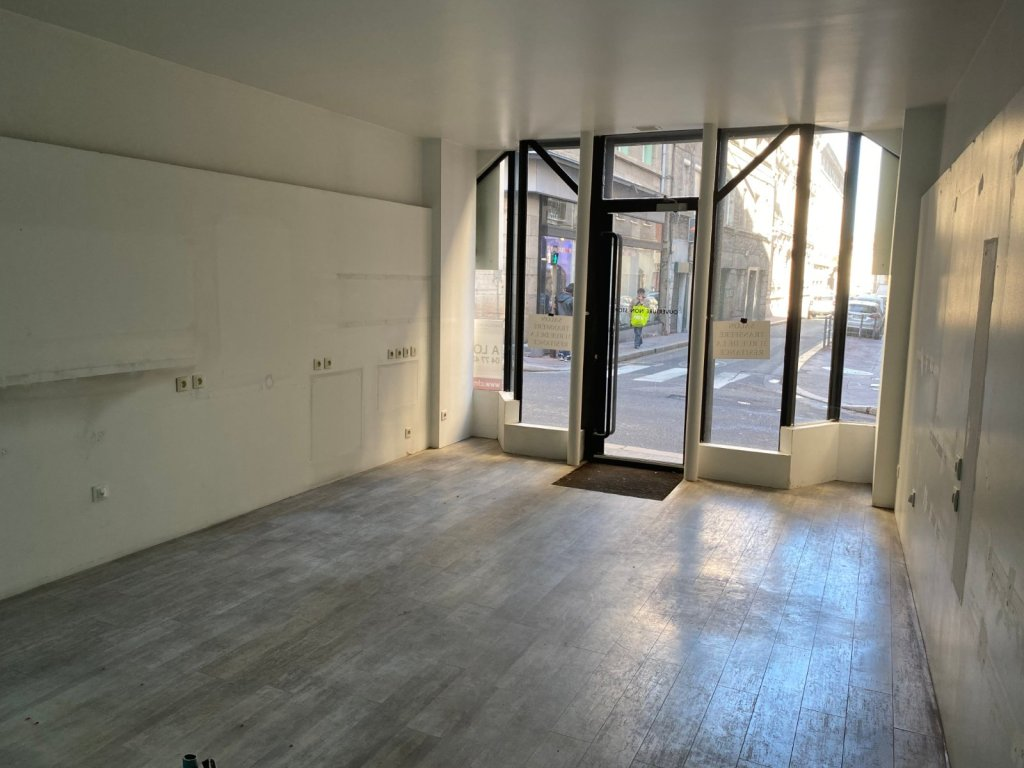 LOCAL COMMERCIAL A VENDRE - ST ETIENNE CENTRE - 36 m2 - 40000 €