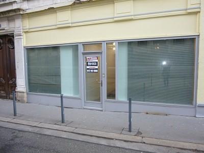LOCAL D ACTIVITE A LOUER - ST ETIENNE HYPER CENTRE - 700 € HC par mois