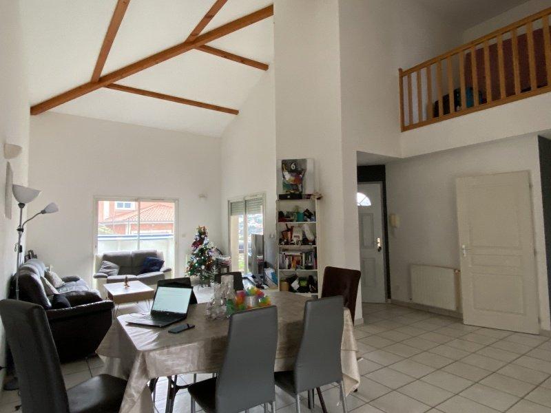 MAISON A LOUER - RIVE DE GIER - 125 m2 - 985 € charges comprises par mois