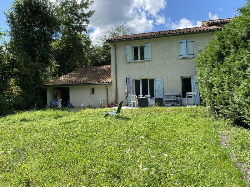 MAISON A LOUER - ST MARTIN LA PLAINE - 110 m2 - 935 € charges comprises par mois
