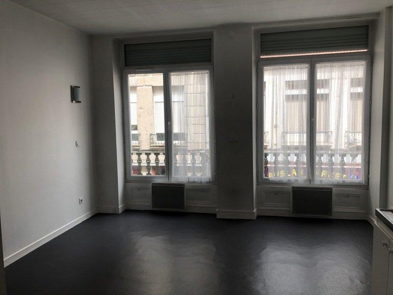 STUDIO - ST ETIENNE PREFECTURE-JACQUARD - 22 m2 - LOUÉ