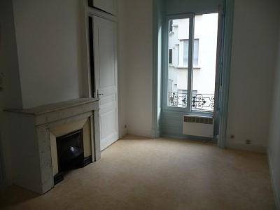 STUDIO A LOUER - ST ETIENNE BADOUILLERE-CHAVANELLE - 22 m2 - 295 € charges comprises par mois