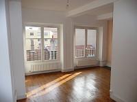 STUDIO A LOUER - ST ETIENNE PREFECTURE-JACQUARD - 51 m2 - 330 € charges comprises par mois