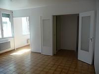 STUDIO A LOUER - ST ETIENNE HYPER CENTRE - 33 m2 - 320 € charges comprises par mois