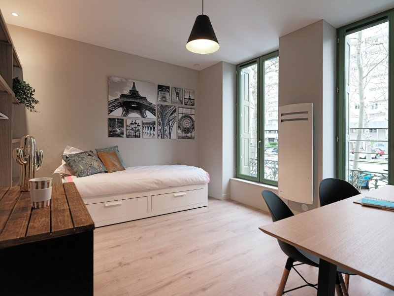 STUDIO A LOUER - ST ETIENNE VIVARAIZE-FAURIEL-BEAULIEU - 20 m2 - 480 € charges comprises par mois
