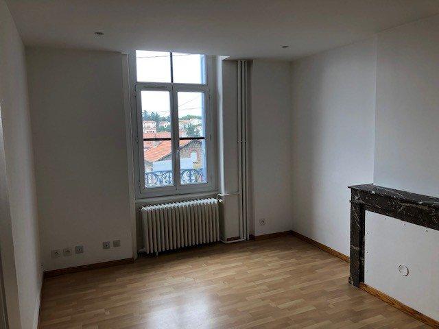 STUDIO A LOUER - ST ETIENNE VILLEBOEUF-RICHELANDIERE - 45 m2 - 395 € charges comprises par mois
