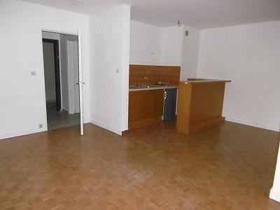 STUDIO - ST ETIENNE BEL AIR-MONTAUD-COTE CHAUDE - 33 m2 - LOUÉ