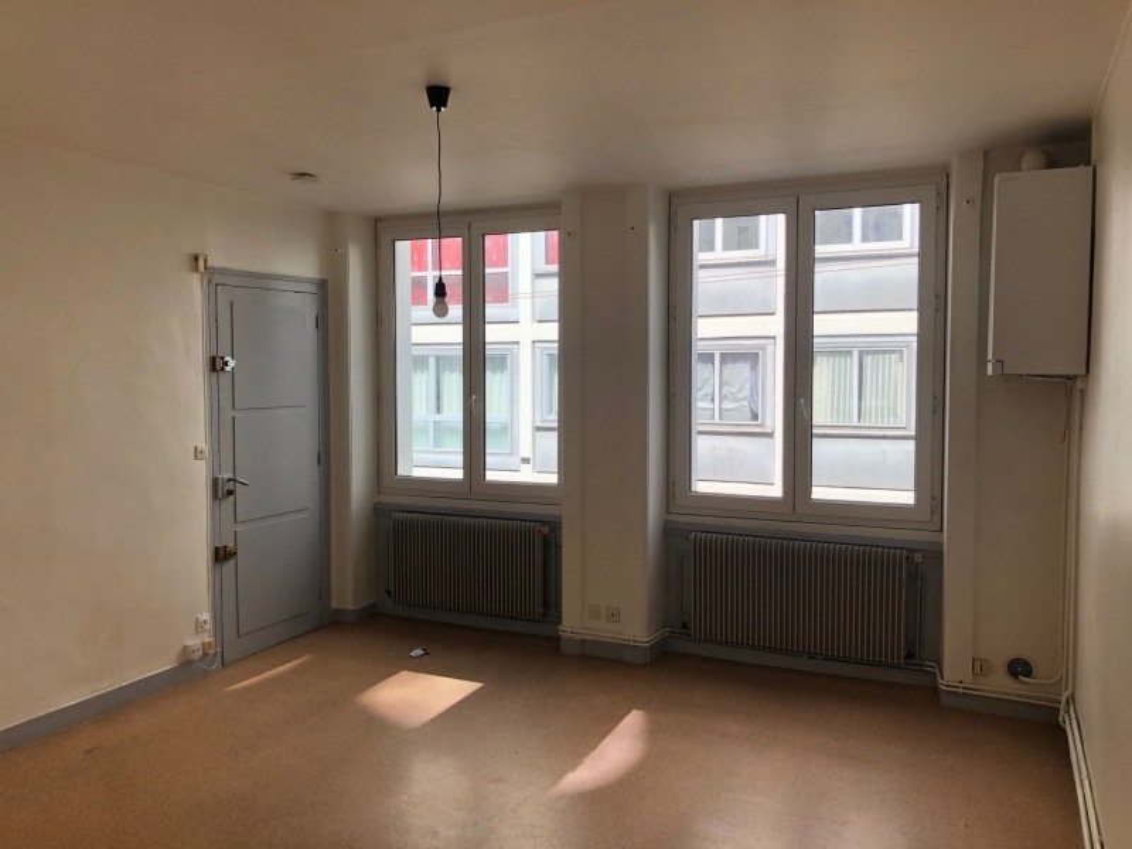STUDIO A LOUER - ST ETIENNE BIZILLON - 25 m2 - 252 € charges comprises par mois