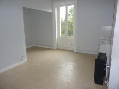 STUDIO A LOUER - ST ETIENNE BIZILLON - 26 m2 - 270 € charges comprises par mois