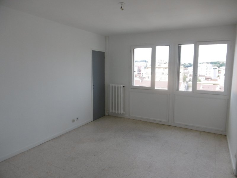 STUDIO A LOUER - ST ETIENNE RIVIERE-VALFURET-LE BERNAY - 26,9 m2 - 290 € charges comprises par mois