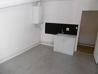 STUDIO A LOUER - ST ETIENNE BIZILLON - 37 m2 - 305 € charges comprises par mois