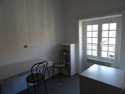 STUDIO A LOUER - ST ETIENNE trefilerie - 20 m2 - 255 € charges comprises par mois