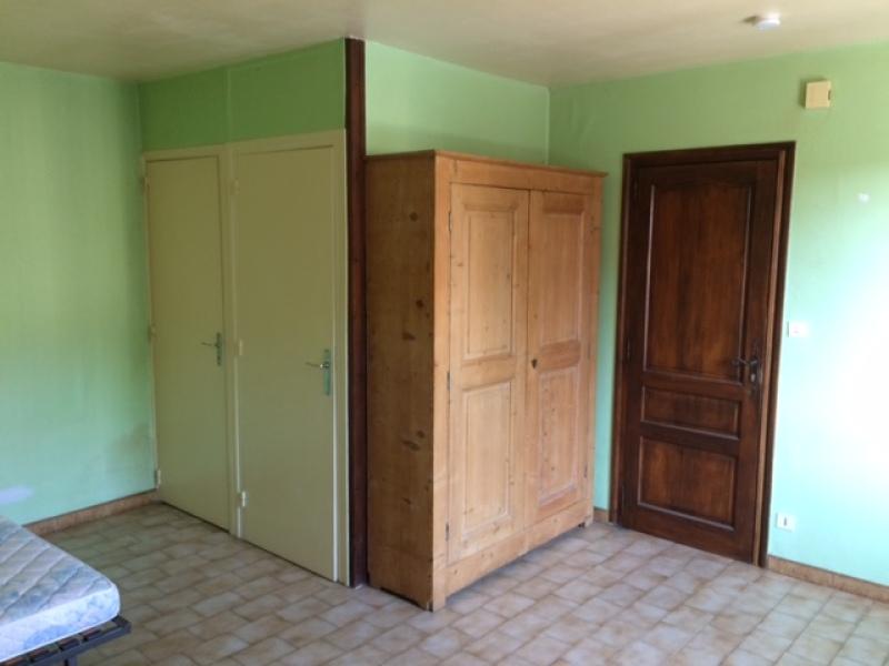STUDIO A LOUER - ST JEAN BONNEFONDS - 20 m2 - 230 € charges comprises par mois