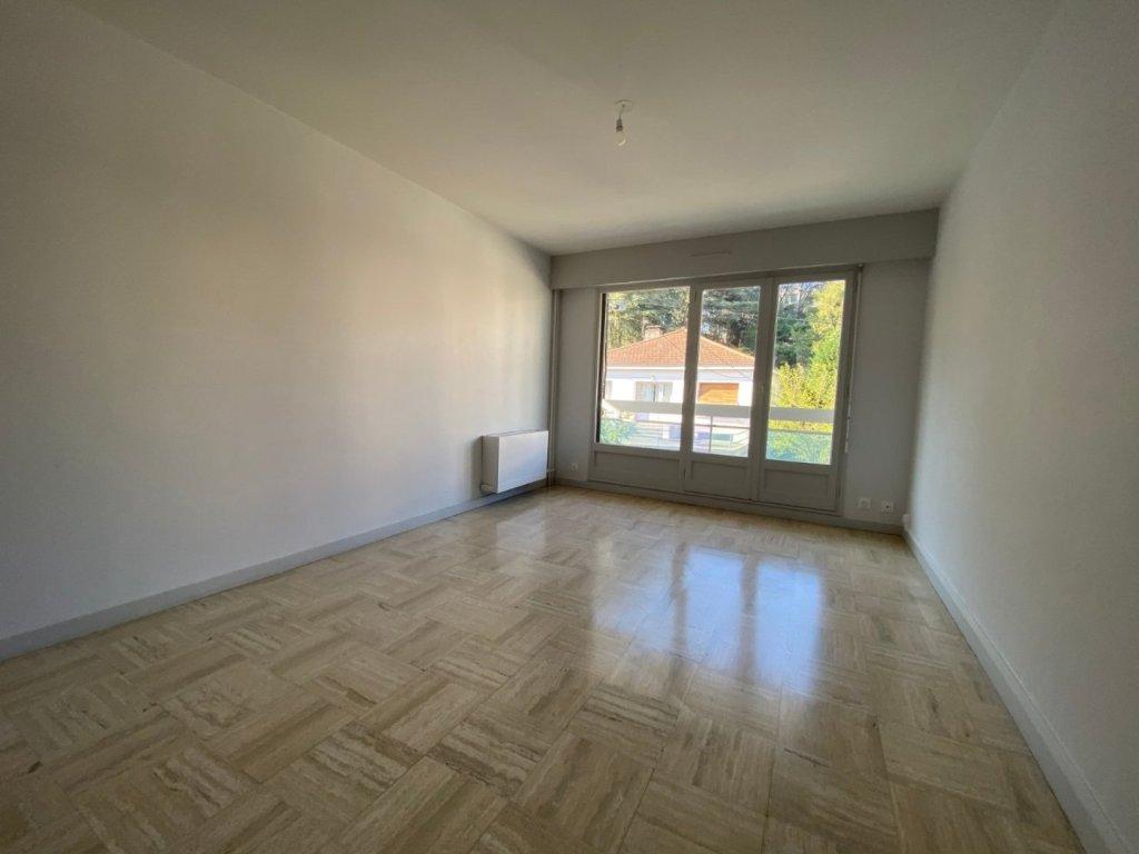 STUDIO A VENDRE - ST ETIENNE EST - 27 m2 - 48000 €